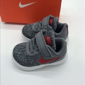 Nike flex contact toddler shoe size 4C red gray